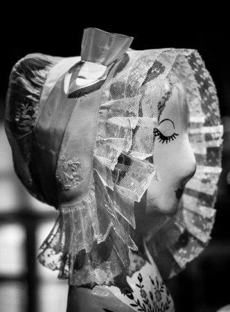 Fresnay-Sur-Sarthe, France: Musée de la coiffe - Bonnette