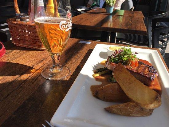 เอสกิลสตูนา, สวีเดน: 牛排+薯條