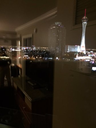 What happens in Vegas, stays in Vegas, but not Hilton Grand review