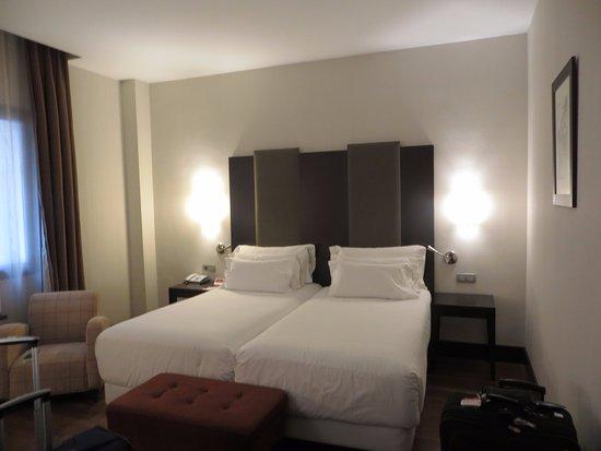 NH Collection Granada Victoria: Bedroom