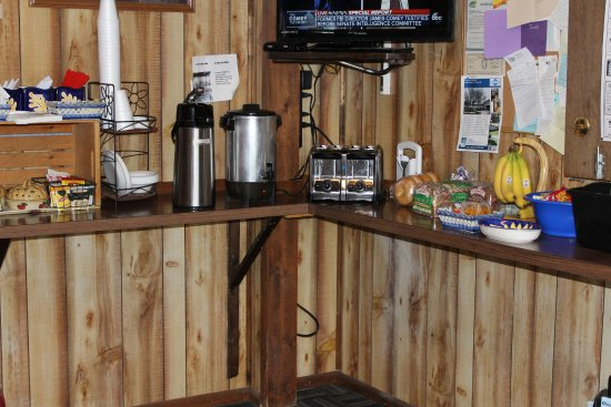 Ontario, Oregon: continental breakfast from 7am to 11am