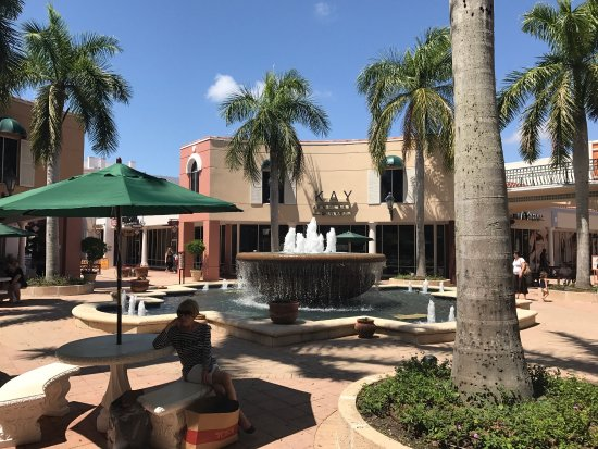 Miromar Outlets: photo3.jpg