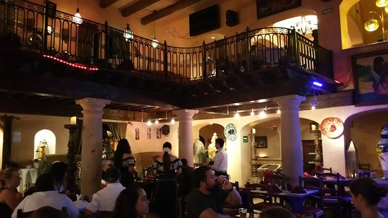 Tropicana Inn: Beautiful restaurant