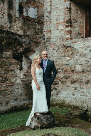 Hotel Museo Spa Casa Santo Domingo: Wedding pix by historic ruins in Antigua