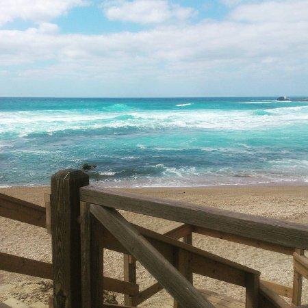 Caesarea National Park: Можно просто смотреть на море