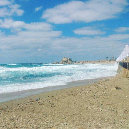 Caesarea National Park: Набережная вдоль ипподрома