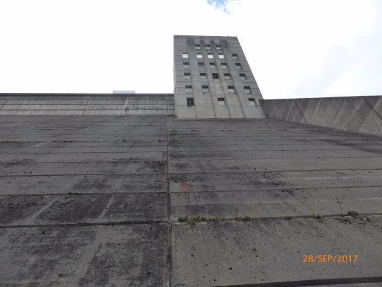 Mount Morris, NY: very tall structure