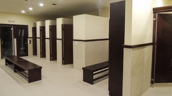 Gym bathrooms and showers picture of hotel coral marina