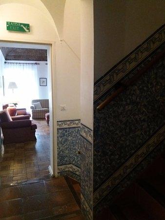 Hotel Riviera: Le scale con gli azulejos