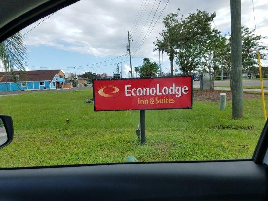 Econo Lodge Inn & Suites Maingate Central: 20171011_161750_large.jpg