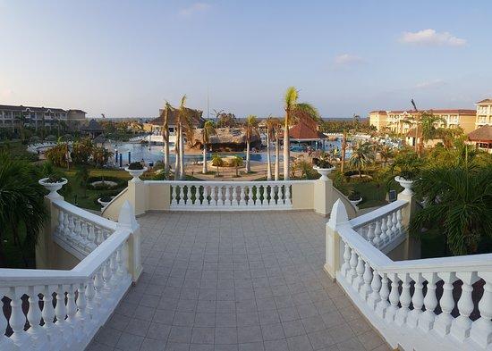 Iberostar Laguna Azul: acceso del hotel a las piscinas
