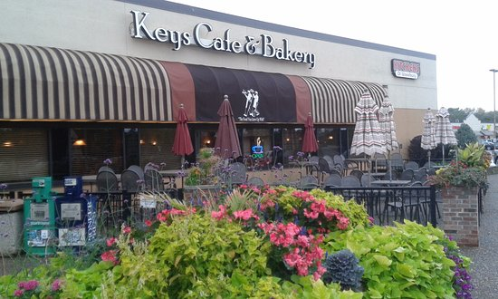White Bear Lake, MN: Front view of Key's Cafe & Bakery -