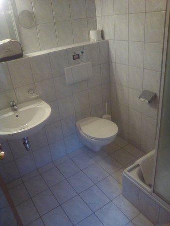 Lindberg, Germany: Bad Obergeschoss - sauber, funktioniert alles