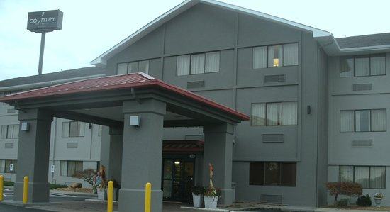 Country Inn & Suites by Radisson, Abingdon, VA: Front entrance