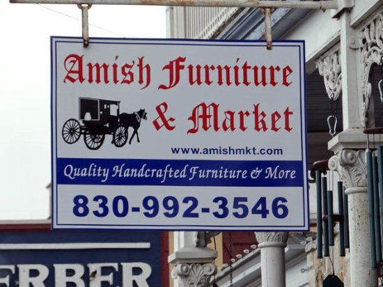 Amish Market: a sign
