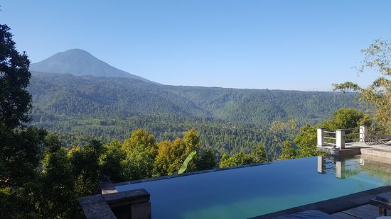 Puri Alam Bali Bungalows: Pool and also view from room down at the bottom