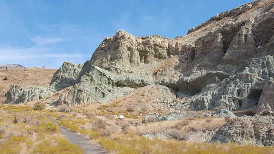 John Day Fossil Beds National Monument- Sheep Rock: Blue Basin Trail