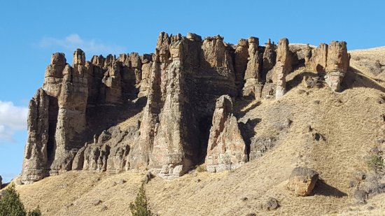 John Day Fossil Beds National Monument- Sheep Rock照片