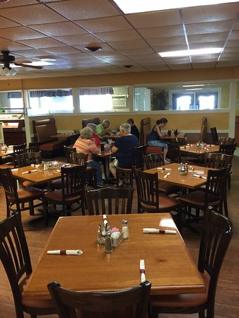 Maria's Restaurant and Pizza: inside view