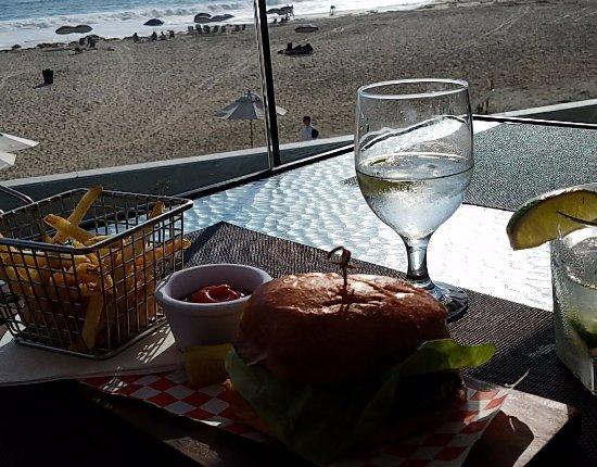 Monarch Beach Resort: The Bay Club burger - BEST IN SOUTHERN CALIFORNIA!!!