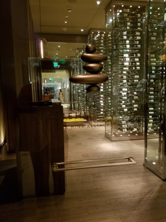 Monarch Beach Resort: Stone Hill Tavern - fantastic selection of wines and VERY knowledgeable sommelier.