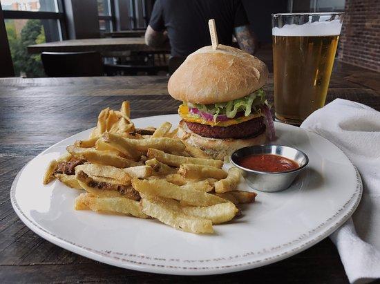 Houghton, MI: Beyond Burger