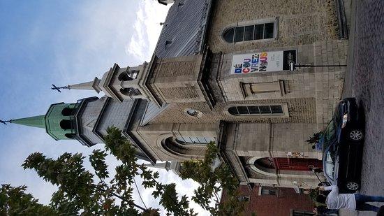 Old Montreal Walking Tour : 20171007_170952_large.jpg