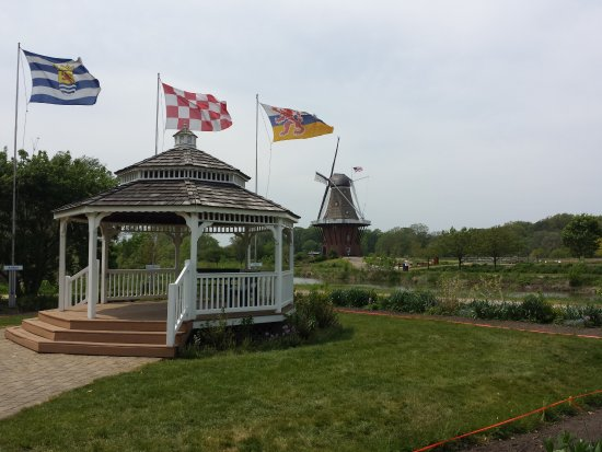Windmill Island Gardens: Bandstand and Windmill