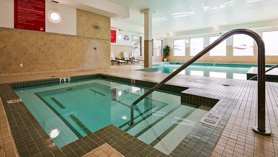 St. Albert, Kanada: Salt-water pool and hot tub