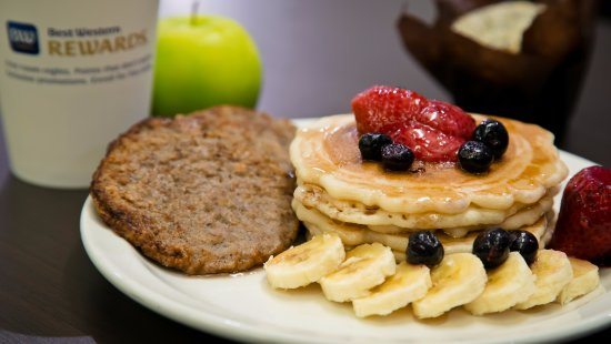 St. Albert, Canada: Start each day with a complimentary breakfast; don't forget to try our pancake and waffle statio