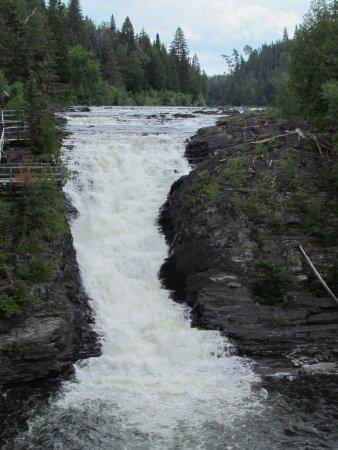 Rimouski, Canadá: le canyon des portes de l'enfer, trouver les informations nécessaires a même la réception du Mot