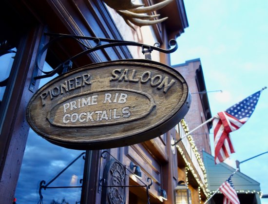 Ketchum, ID: Pioneer Saloon Door Sign