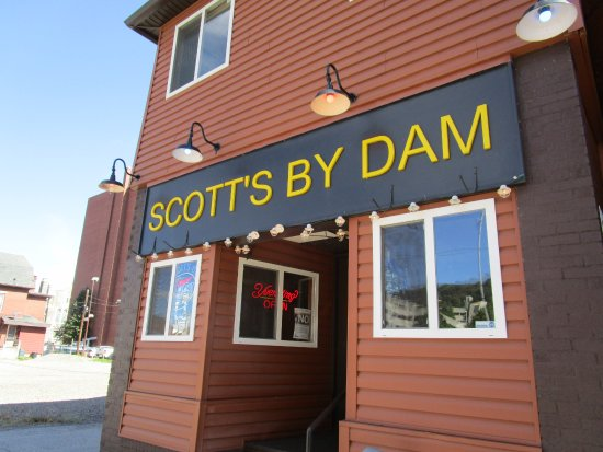 Scott's by Dam: Exterior view