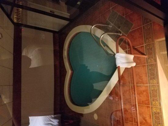 Pocono Palace Resort: 20171008_215401_large.jpg