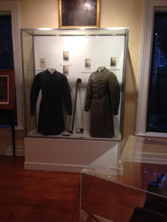 The Hunt-Morgan House : Upstairs in the Morgan's Raiders museum.