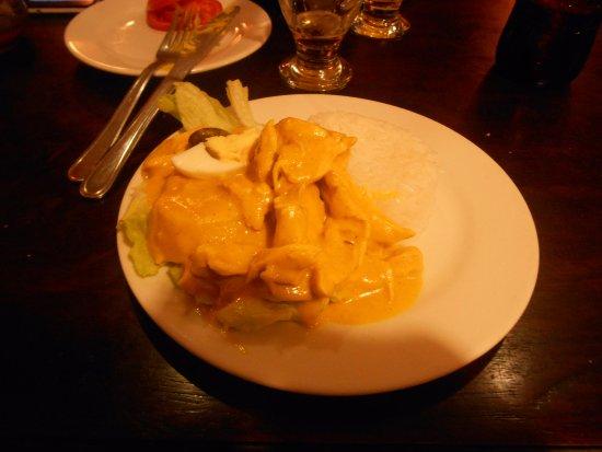 Ama Lur: aji de gallina