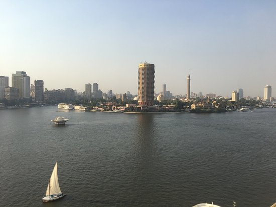 Grand Nile Tower : You will not imagine how much this hotel is like a Gem as its location on the River Nile.