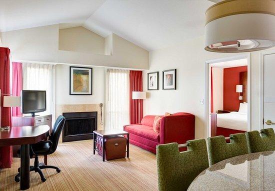 Two bedroom suite picture of residence inn scottsdale paradise valley scottsdale tripadvisor for Scottsdale 2 bedroom suite hotels