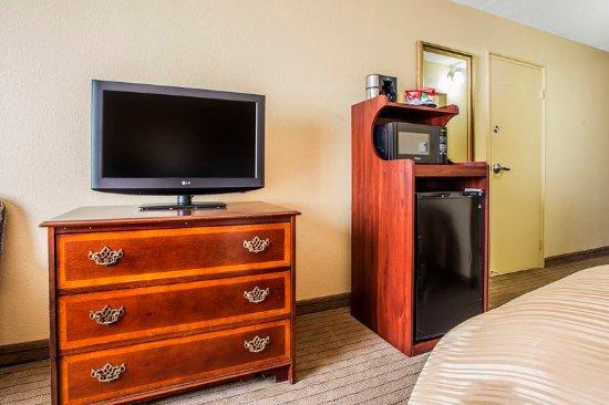 Clarion Inn Dayton Airport: Guest Room