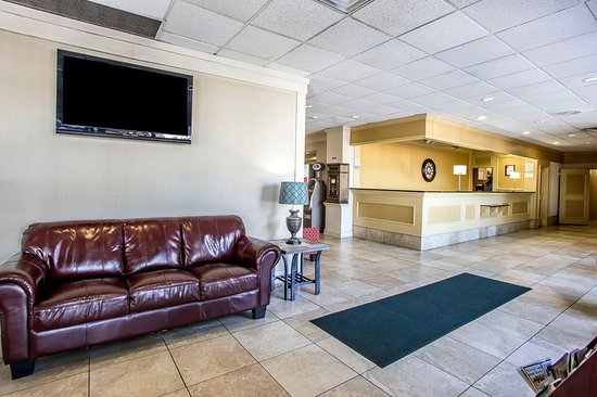 Clarion Inn Dayton Airport: Lobby