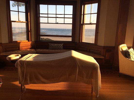 Kennebunk, ME: Out call Massage at a beach house on Parson's Beach.
