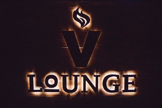 VLounge football bar
