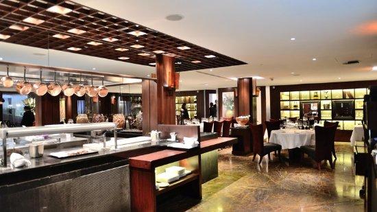 โรงแรมอินเตอร์คอนติเนนตัล กรุงเทพ: Fireplace Grill and Bar