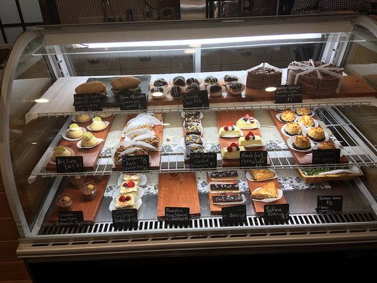 ‪‪Essex‬, ‪Vermont‬: Check in to pastries at the front desk!‬