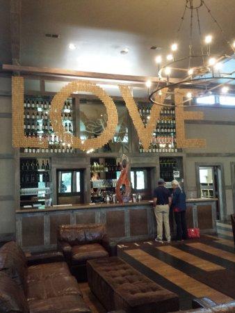 Afton, VA: Tasting bar