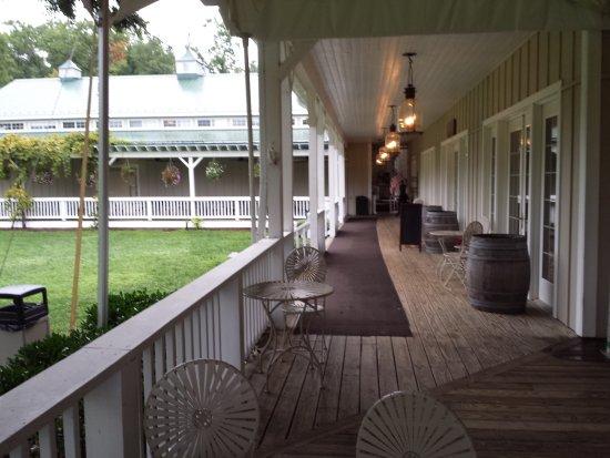 Afton, VA: Entrance porch