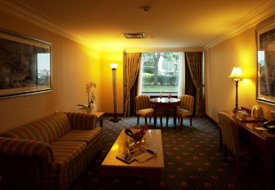 Renaissance polat istanbul hotel updated 2017 prices for Garden guest room