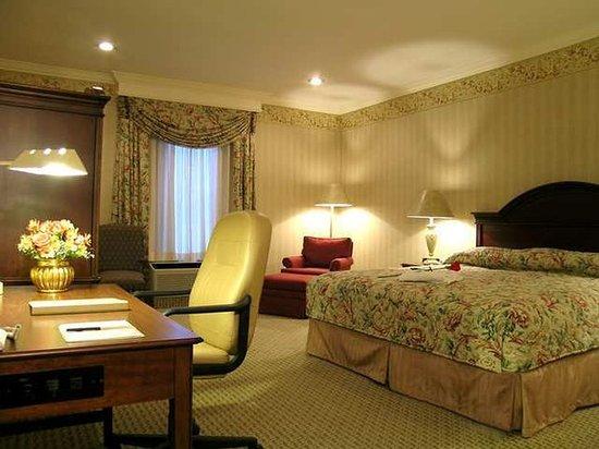 Frontenac, MO: Guest Room