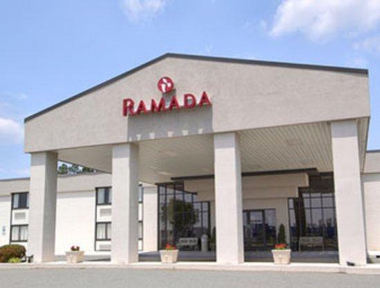 Ramada Burlington Hotel & Conference Center: Welcome to the Ramada Burlington Hotel and Conference Center