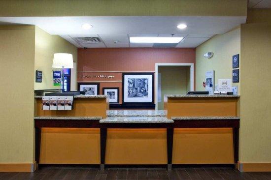 Chicopee, MA: Reception Desk